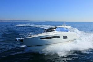 location Yacht Prestige conciergerie de luxe cote d'azur